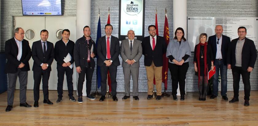 Firma del convenio iv feria del autom vil de cieza 2018 for Fuera de convenio 2018